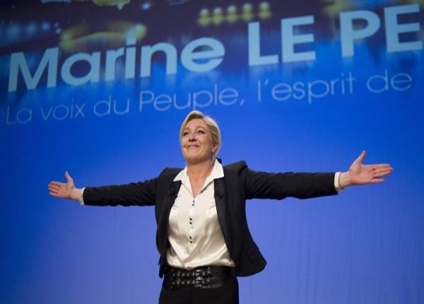 Le Pen, le presidenziali in Francia scatenano scontri