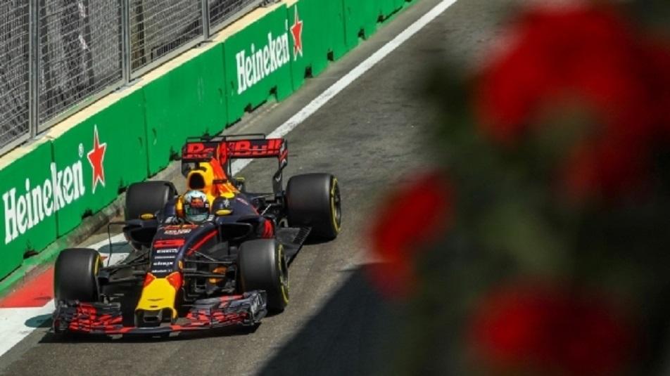 GP Azerbaijan: Daniel Ricciardo vince un rocambolesco GP a Baku. Polemiche tra Hamilton e Vettel