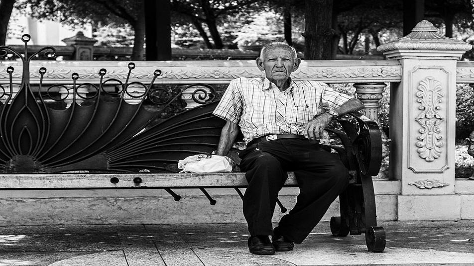 Assistenza anziani a Milano, parte il numero verde