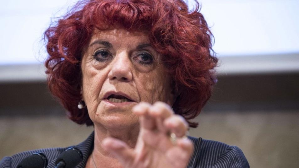 Valeria Fedeli, Ministro dell'Istruzione, vuole tenere aperte le scuole tutto l'anno