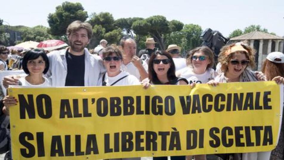 Cortei anti vaccini: corteo 'no vax' a Roma, 'libertà di scelta'