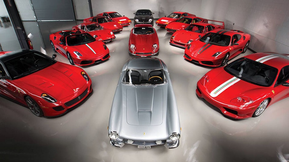 Ferrari: all'asta una collezione intera di Cavallini Rampanti