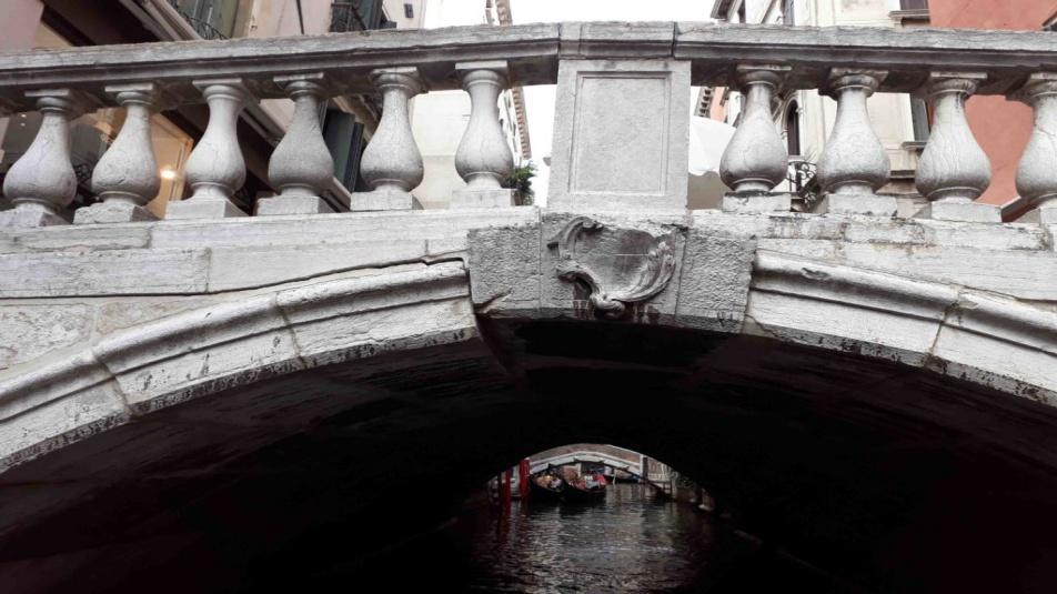 Venezia ponte-bareteri-small-1024x768