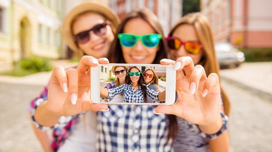 In arrivo l'app per scattare i Selfie perfetti: ecco come funziona