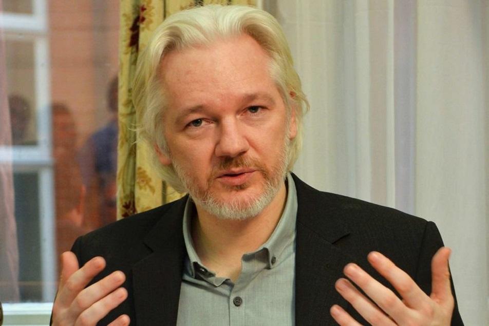 Julian Assange (Fonte: godblessbuckner.com)