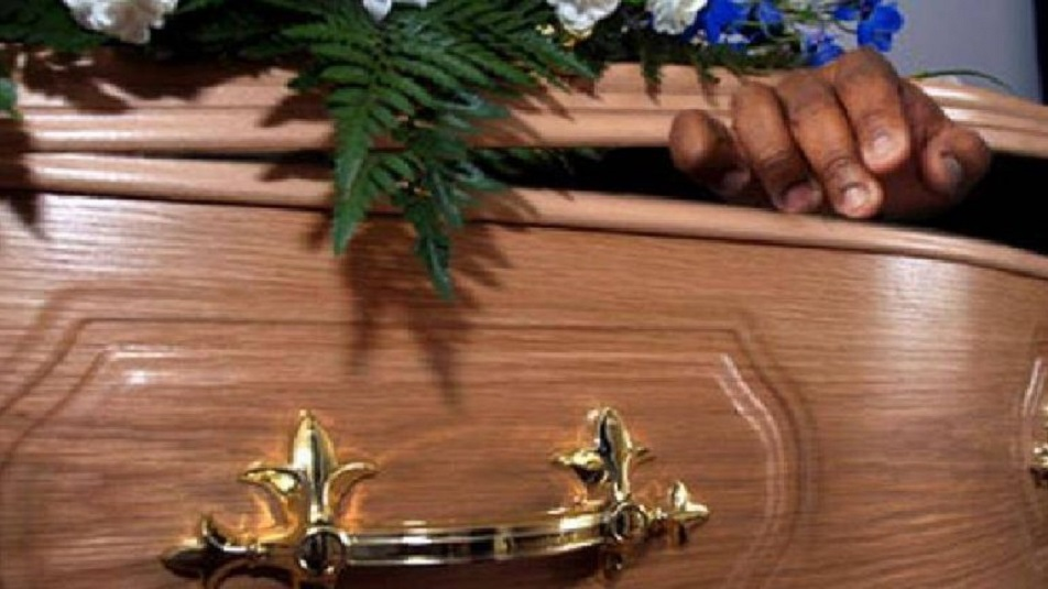 Morto si 'risveglia' durante il suo funerale in Perù