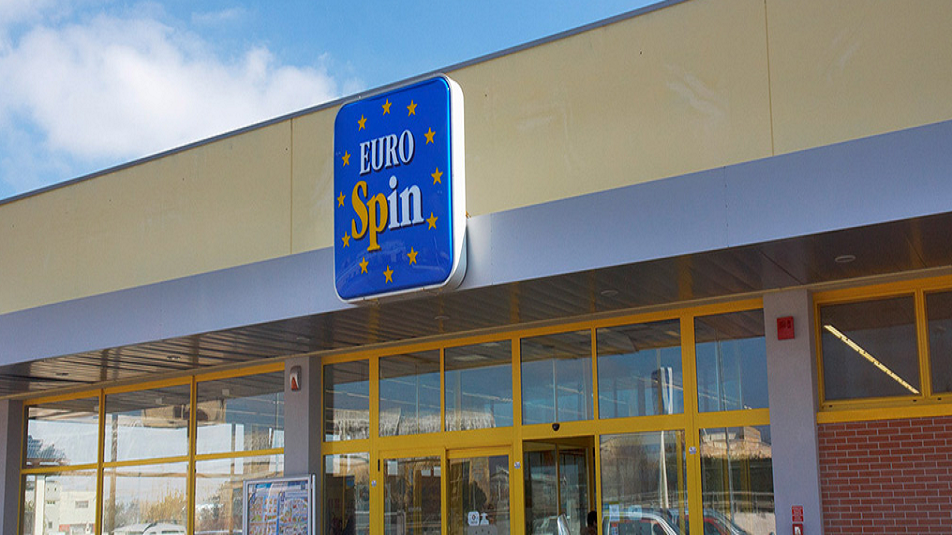 Rapina all'Eurospin, 43enne malmena vigilante e fugge