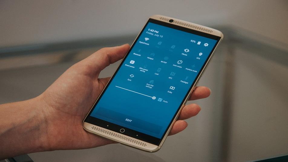 ZTE Axon 7: iniziato il beta test di Android 8.0 Oreo