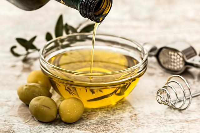 trattamenti per capelli secchi olio di oliva