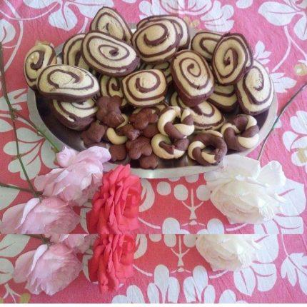 Biscotti bicolore di pasta frolla