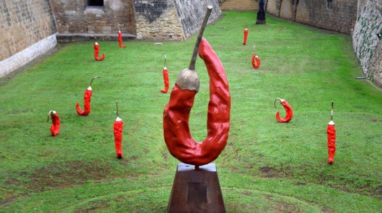 Epifania della terra, mostra di sculture di frutta nei castelli pugliesi