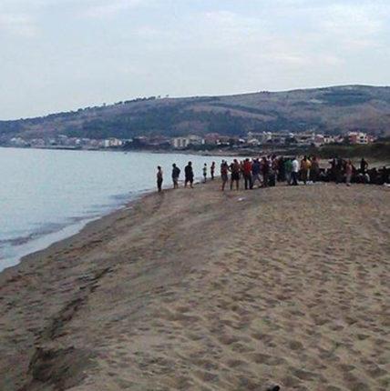 Barca si arena nel Crotonese