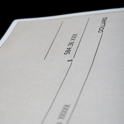 Regole per emettere un assegno bancario senza errori