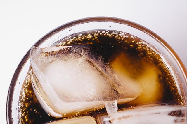 bibite zuccherate e danni per la salute