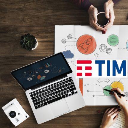 Tim: la nuova Adsl per chi non ha la fibra ottica; stiamo parlando della Fibra FTTH (Fiber to the home) o Fibra Mista FTTC (Fiber to the Cabinet). TIM per chi non è raggiunto dall'infrastruttura più potente, propone la TIM Connect adsl. Tim: la nuova Adsl a 35€ al mese per sempre Sfruttando una buona connessione ADSL, TIM per marzo 2019 propone una nuova offerta dedicata proprio chi può navigare soltanto con quest'ultima. Con TIM Connect ADSL c'è tutta una serie completa di bonus a prezzo fisso, con l'aggiunta di qualche chicca interessante. Innanzitutto sono comprese: • la linea telefonica con chiamate gratis e senza scatto alla risposta verso tutti i numeri nazionali fissi e mobili. • Poi promette una connessione illimitata tramite rete ADSL con una velocità massima fino a 20 mega in download e, poi, 1 mega in upload. Il costo mensile dell'offerta è di €35 fisse per sempre. Da considerare che nella promo per rete fissa, si deve aggiungere anche il costo di attivazione. Altro dettaglio interessante è che la TIM ha messo a disposizione dei propri utenti una serie di bonus extra. Innanzitutto TIM Vision, una piattaforma streaming on Demand, con un pacchetto completo di film, serie tv e programmi vari da guardare su PC, smart TV oppure dispositivo mobile. Inoltre, l'offerta si può personalizzare con un modem Wi-Fi che ha una garanzia illimitata; stiamo parlando di: • Smart modem che TIM propone a €4 al mese per 48 mesi. • Oppure TIM Hub che TIM propone a €5 al mese per 48 mesi; la TIM Hub è consigliabile per una rete WiFi più stabile e soprattutto con una maggiore copertura. • Con l'acquisto del modem c'è il servizio TIM Expert che permette a degli utenti poco esperti un consulente disponibile per le proprie esigenze. Nonostante i grandi passi avanti fatti dalla tecnologia e dalle infrastrutture sulla fibra ottica, sono ancora in tanti che non riescono ad accedere a quest'ultima; per questo TIM, pensando anche a loro ha deciso di attivare la TIM Connect adsl. Per quan