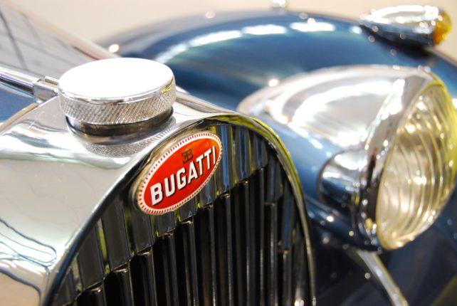 SUV ibrido Bugatti