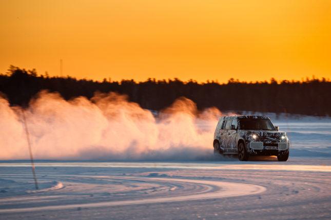 Land Rover, nuova Defender supera il milione di Km nei test