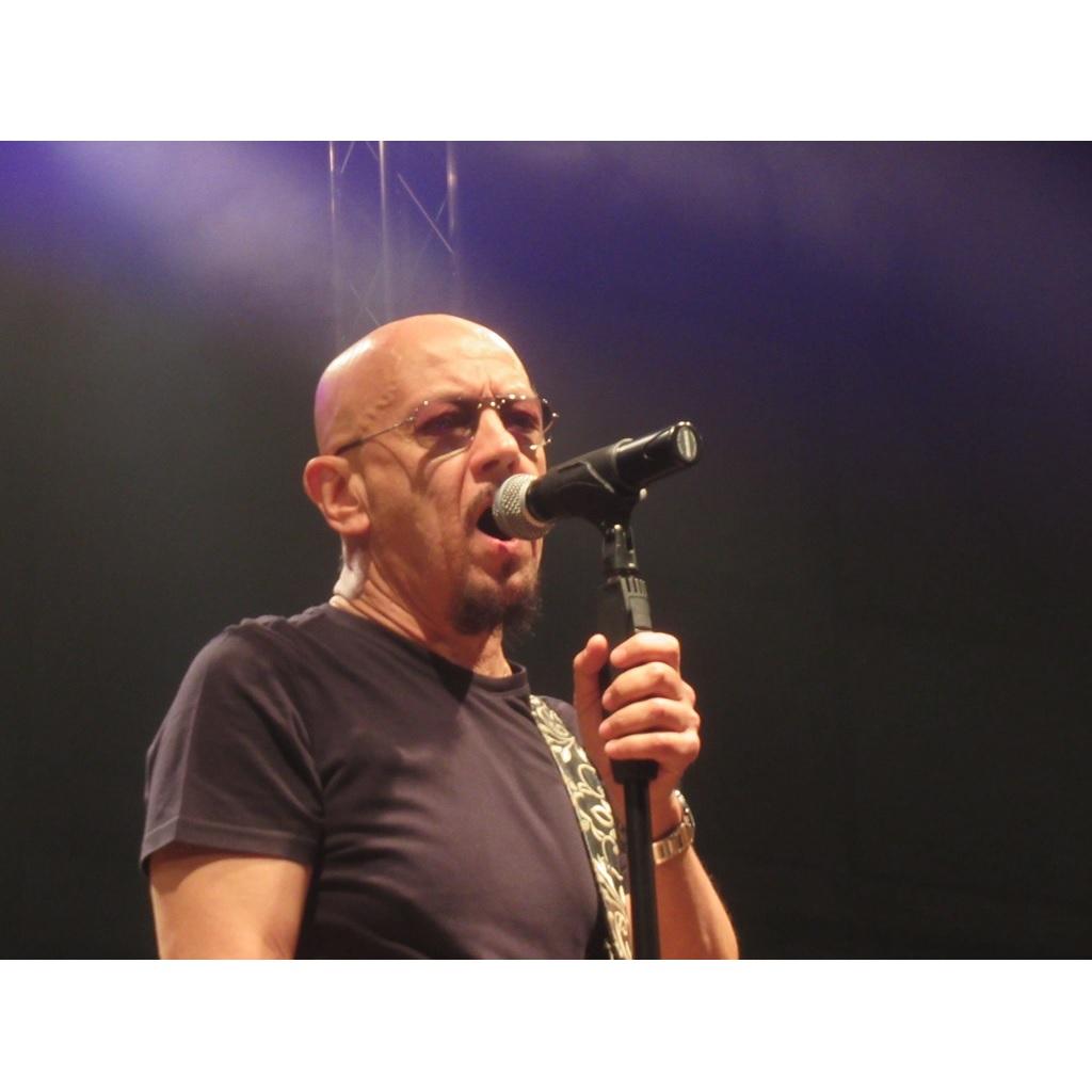 Enrico Ruggeri live report della data zero