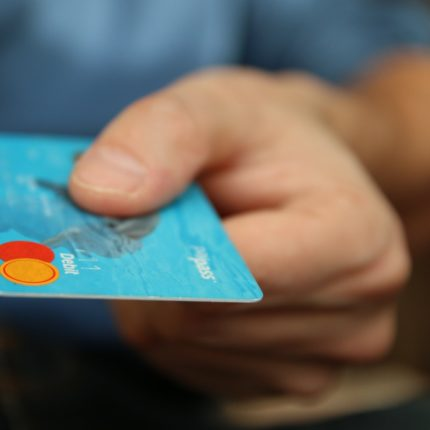 Tassa sui prelievi dei contanti da bancomat
