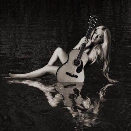 Avril Lavigne compie oggi gli anni foto