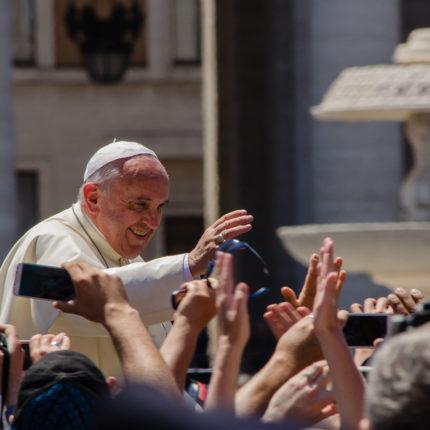 Papa Bergoglio migranti