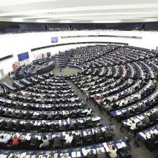Eurocamera divisa sui migranti