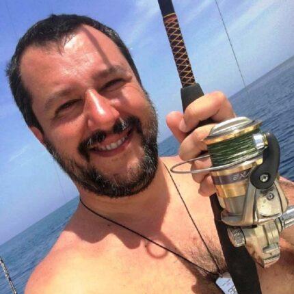Salvini vuole il taglio dei parlamentari