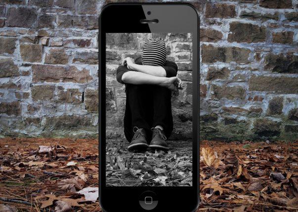 10 segnali dei figli vittime di Cyberbullismo