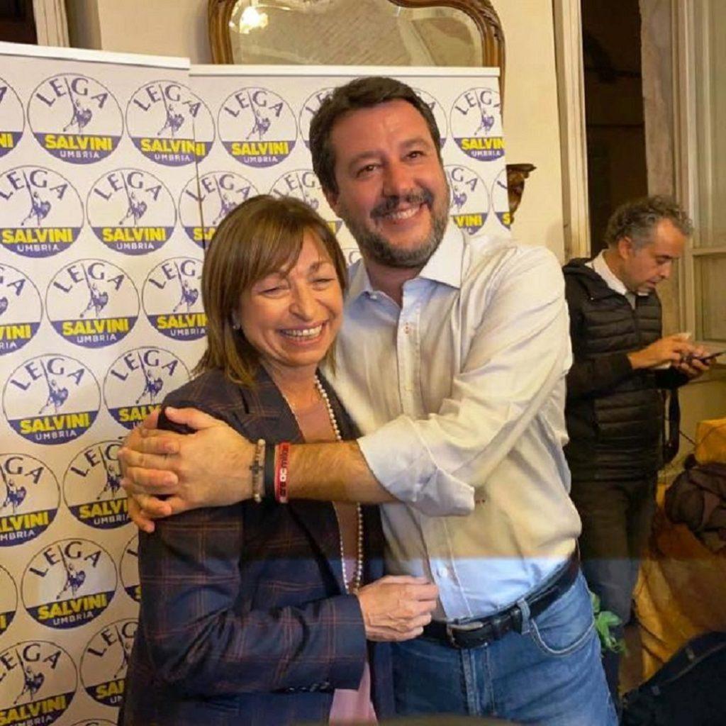 Salvini esulta per la vittoria in Umbria