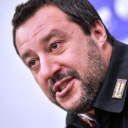 Botta e risposta tra Salvini e Suso