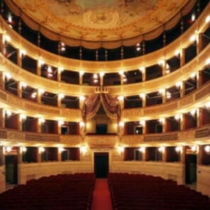 bari il teatro piccinni riapre dopo un restauro di 9 anni