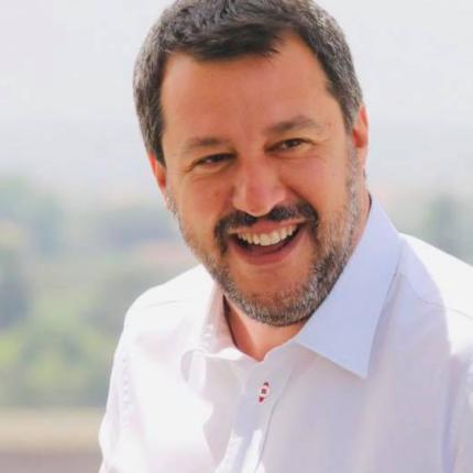 Salvini indagato per utilizzo di voli di stato