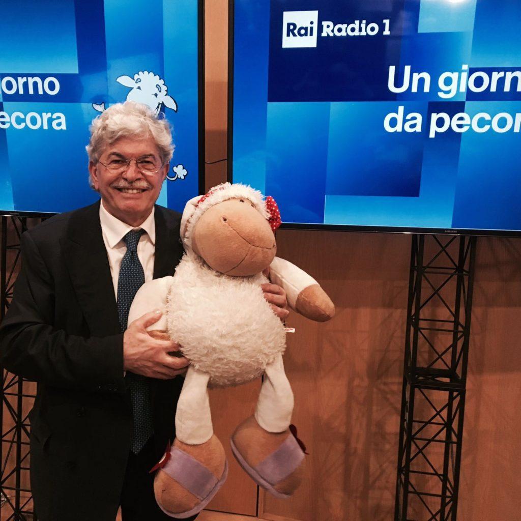 Antonio Razzi vive con 700 euro al mese