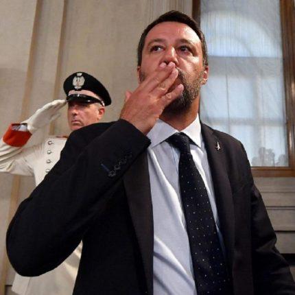 Salvini difende la Segre e attacca la Rackete