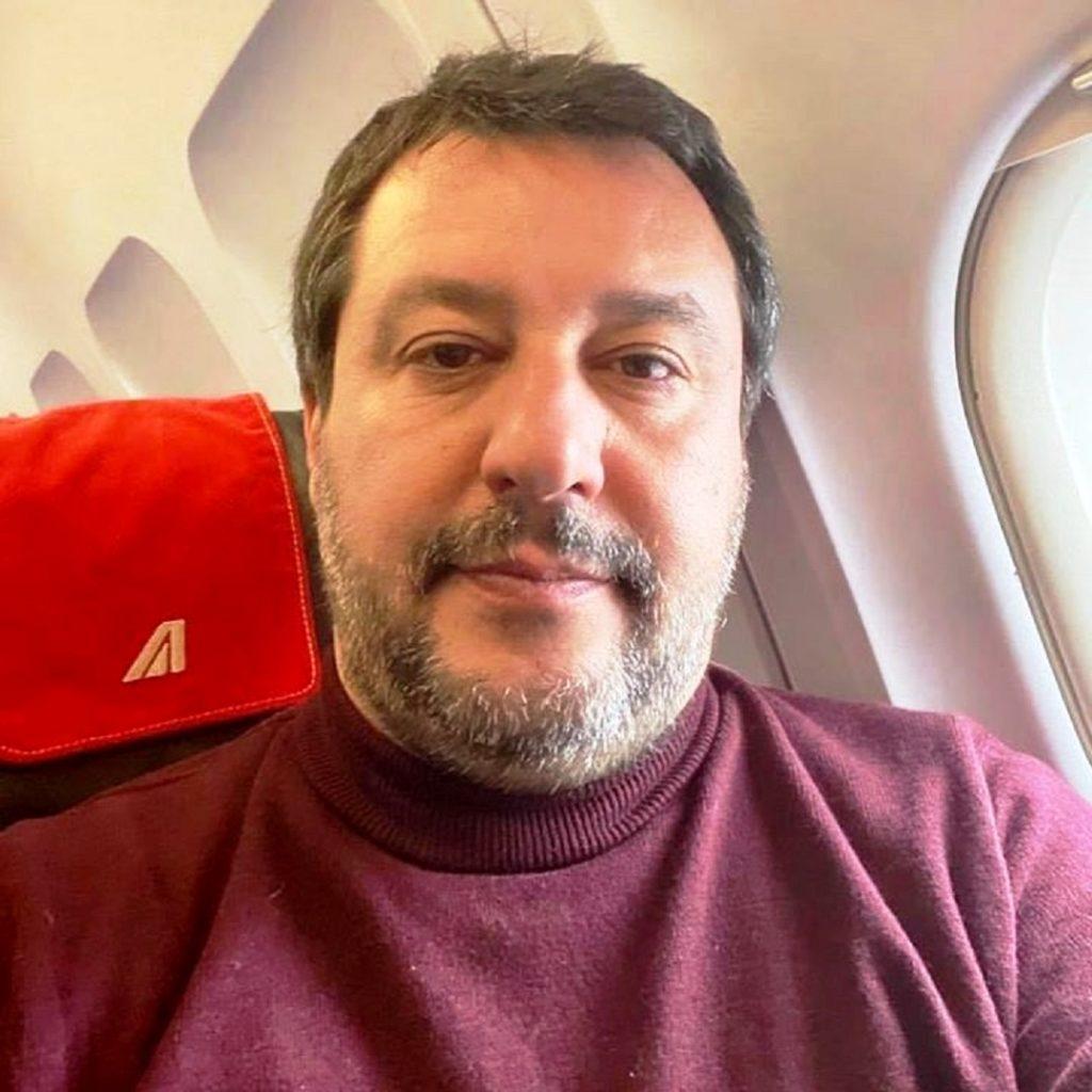 Salvini chiede di cancellare gli adempimenti fiscali