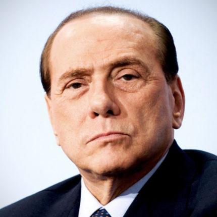 Berlusconi dona 10 milioni alla Lombardia