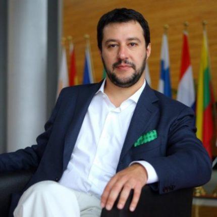 Salvini chiede di riaprire le chiese per Pasqua