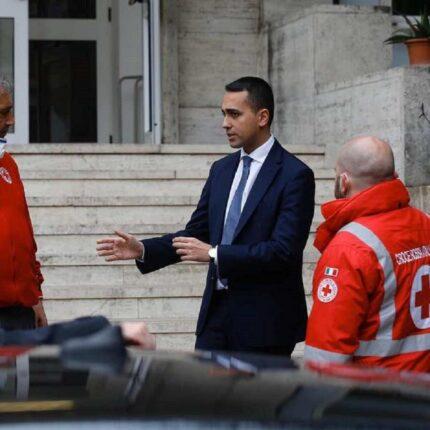Di Maio celebra la giornata mondiale della Croce Rossa