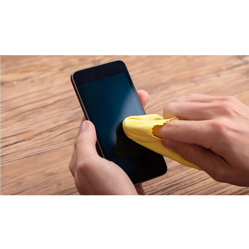 Come pulire e disinfettare il cellulare