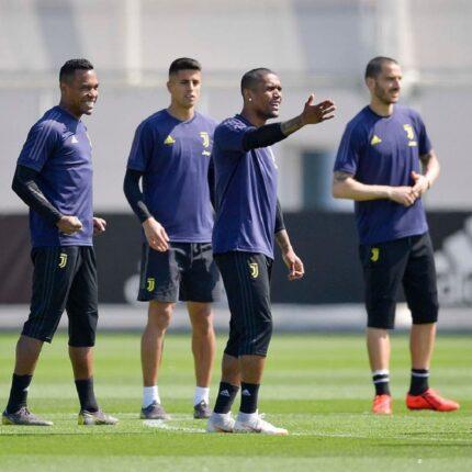 Juventus infortunio Douglas Costa