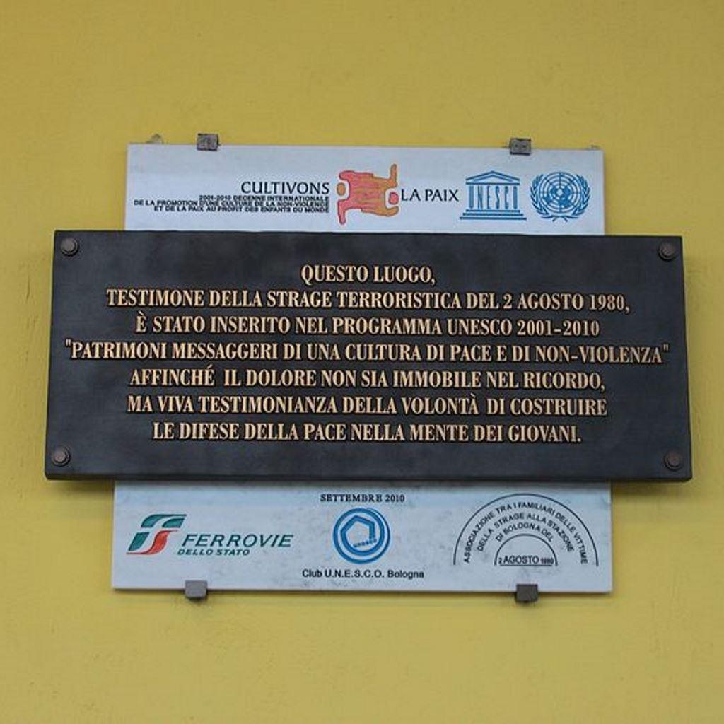 40 anni fa la strage di Bologna foto