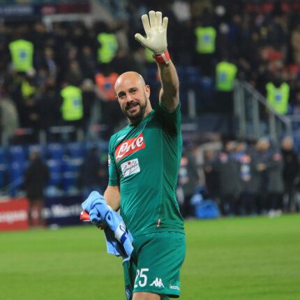 Pepe Reina firma con la Lazio
