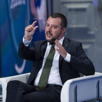 Niente clandestini da Lampedusa all'Abruzzo, lo annuncia Salvini