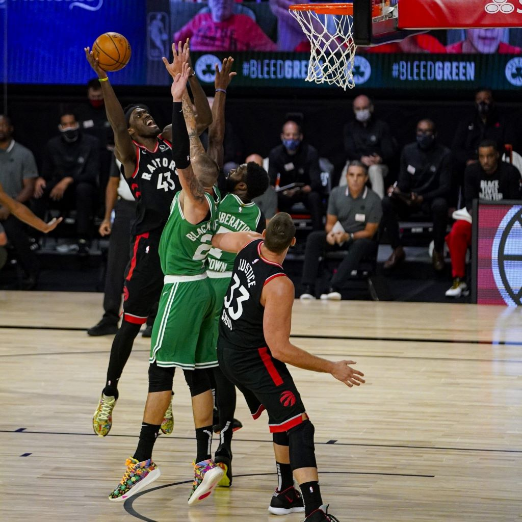 Toronto porta Boston a gara-7