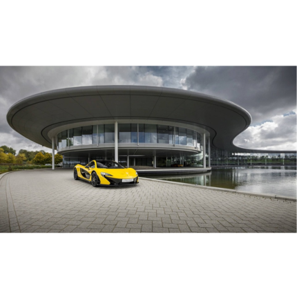 McLaren vende il quartier generale a Woking per oltre 352 milioni