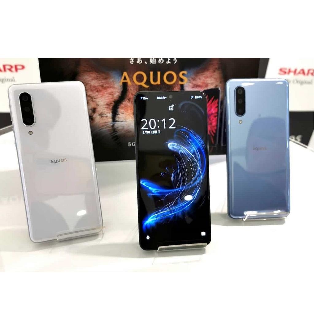 Smartphone Sharp con Android 11 e display 240 Hz
