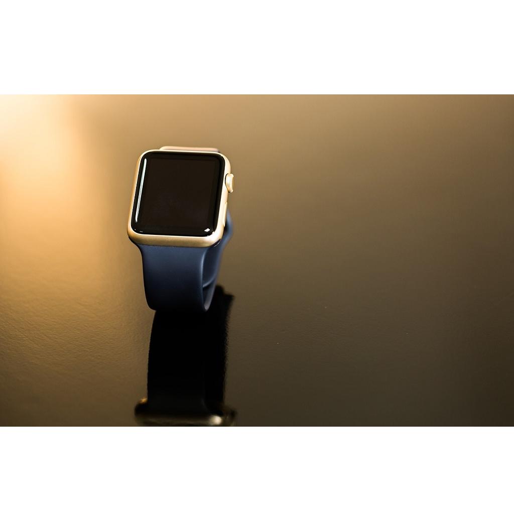 Apple rimuove alimentatore USB dalla confezione di Apple Watch