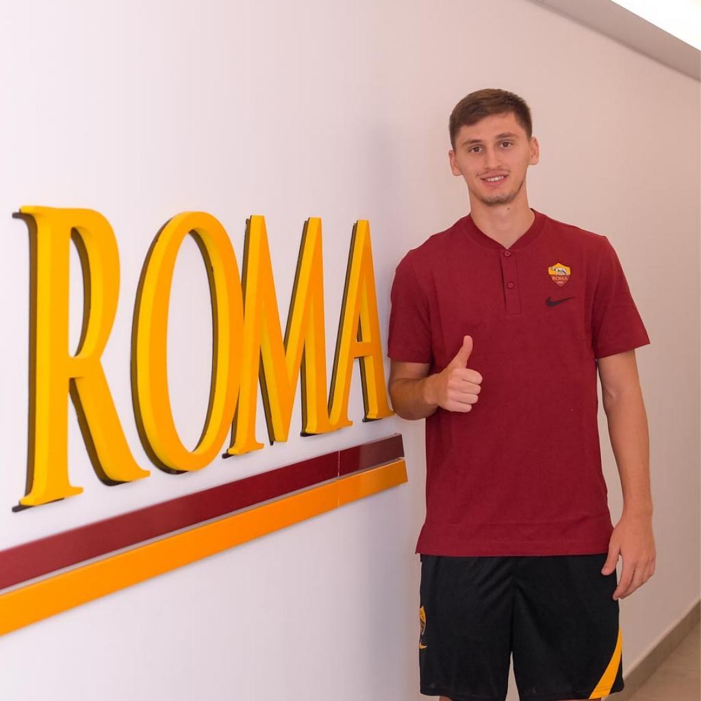 Kumbulla è un giocatore della Roma