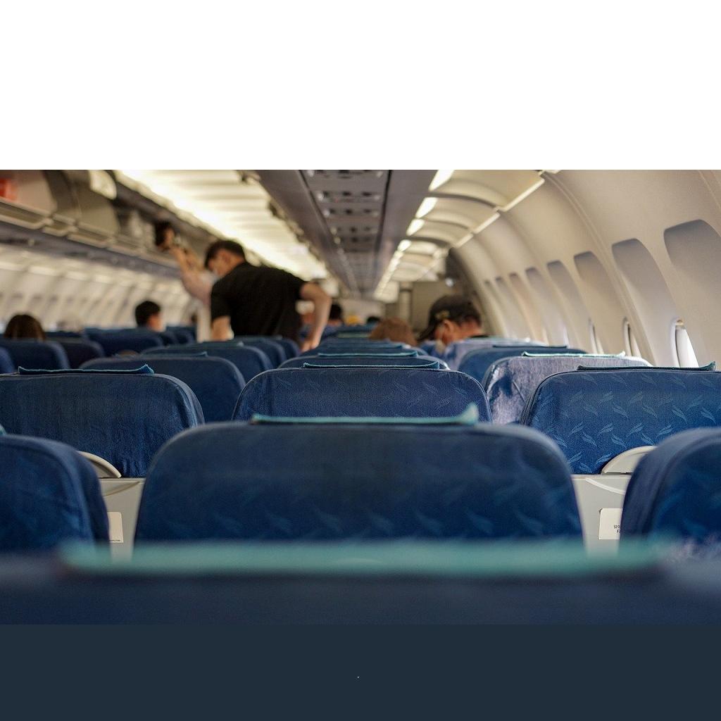 Coronavirus diffonde negli aerei: lo studio sulle compagnie aeree