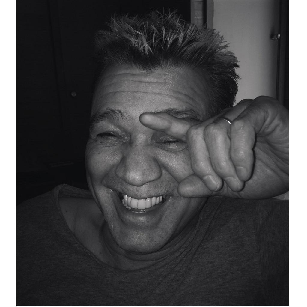Morto di cancro a 65 anni Eddie Van Halen foto